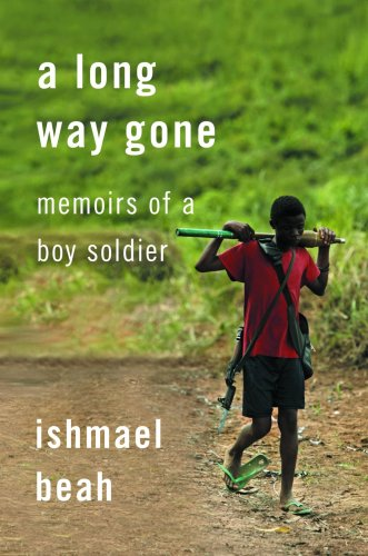 9781553653981: Long Way Gone Memoirs of a Boy Soldier
