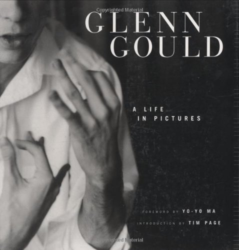 9781554072897: Glenn Gould: A Life in Pictures