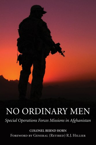 9781554884407: No Ordinary Men