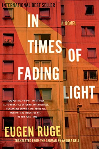 9781555976798: In Times of Fading Light (Lannan Translation)