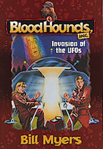 9781556618932: Invasion of the UFO's (Bloodhounds, Inc. #4)
