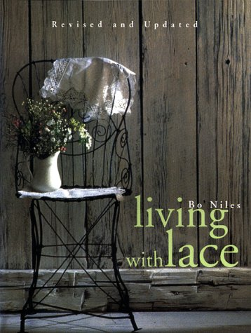 9781556704475: Living with Lace