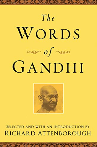 9781557044686: The Words of Gandhi (Newmarket Words Of Series)