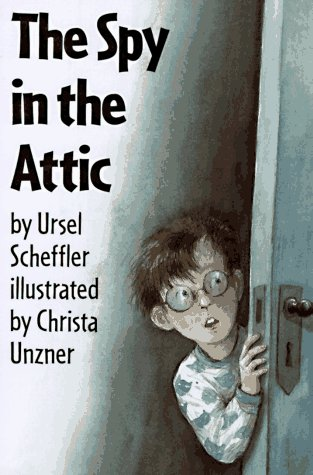 9781558587274: The Spy in the Attic (Easy-To-Read Books)