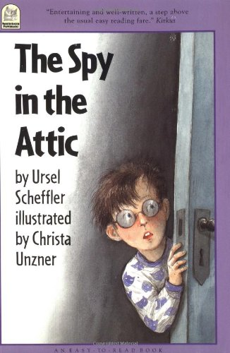 9781558589919: Spy in the Attic, The (An Easy - To - Read Paperback)