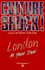 9781558683020: London at Your Door (Culture Shock! At Your Door: A Survival Guide to Customs & Etiquette)