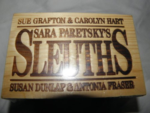 9781559351171: Female Sleuths: A Mystery Collection