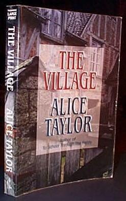 9781560545606: The Village (Thorndike Large Print General Series)