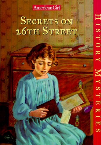 9781562477608: Secrets on 26th Street (American Girl History Mysteries)