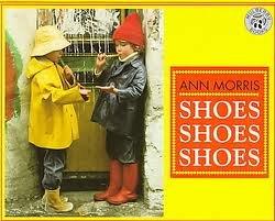 9781563346705: Shoes Shoes Shoes: Level B