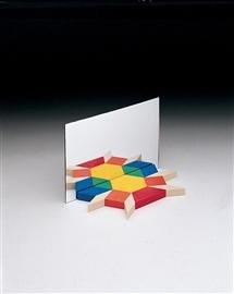 9781564518170: Pattern Blocks Mirror