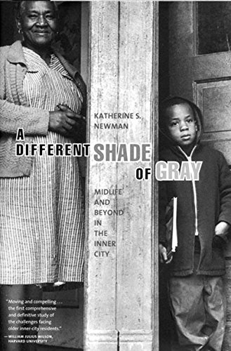 9781565846159: A Different Shade of Gray: Mid-Life and Beyond in the Inner City