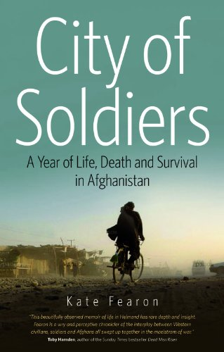 9781566569026: City of Soldiers: A Year of Life, Death, and Survival in Afghanistan