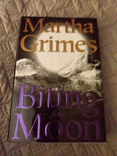 9781568957753: Biting the Moon