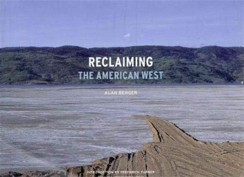9781568983622: Reclaiming the American West