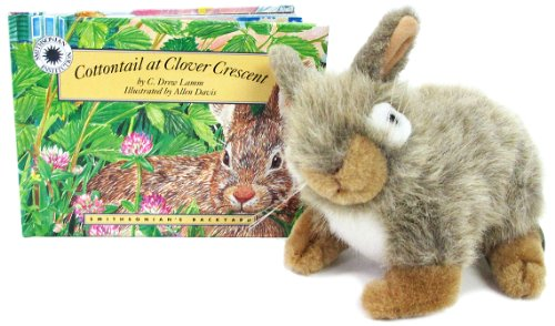 9781568991108: Cottontail at Clover Crescent (Smithsonians Backyard Series : Including 12