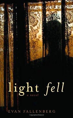 9781569474679: Light Fell