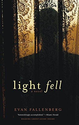 9781569475362: Light Fell