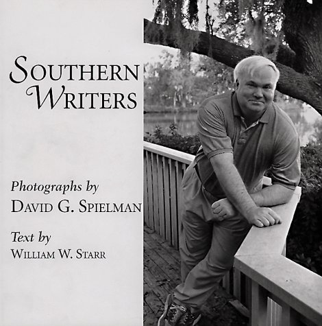 9781570032240: Southern Writers