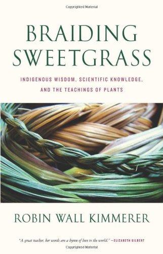 9781571313355: Braiding Sweetgrass