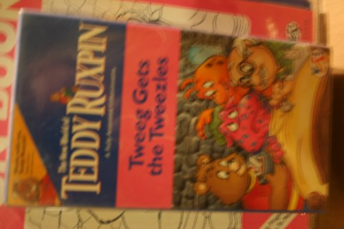 9781572340718: The New World of Teddy Ruxpin: Tweeg Gets the Tweezles, Fully Animated Interactive Videocassette with Activity Book, By Yes Entertainment (The New World of Teddy Ruxpin)