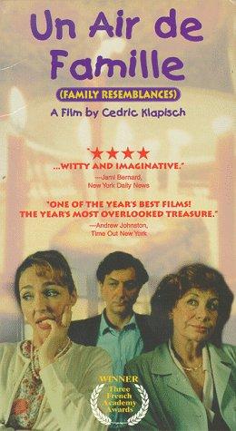 9781572524880: Un Air de Famille [VHS]