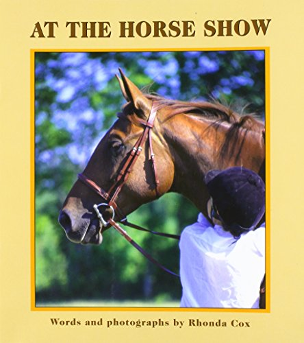 9781572740754: At the Horse Show (Books for Young Learners)