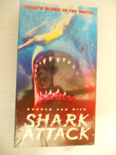 9781573627443: Shark Attack [VHS]