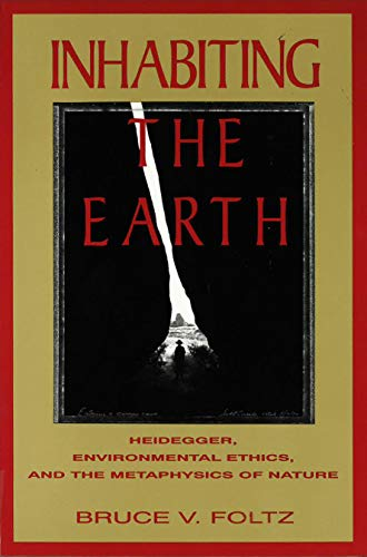 9781573926096: Inhabiting the Earth