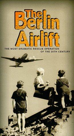 9781575235714: Berlin Airlift [VHS]