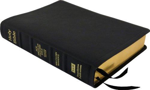 9781581351606: NASB Side-Column Reference Wide Margin Bible; Black Calfskin Leather