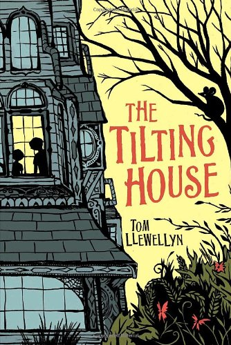 9781582462882: The Tilting House