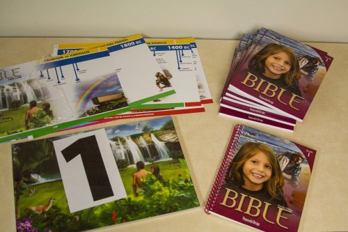9781583312544: Bible Grade 1 Classroom Text By Purposeful Design