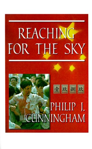 9781585000029: Reaching for the Sky