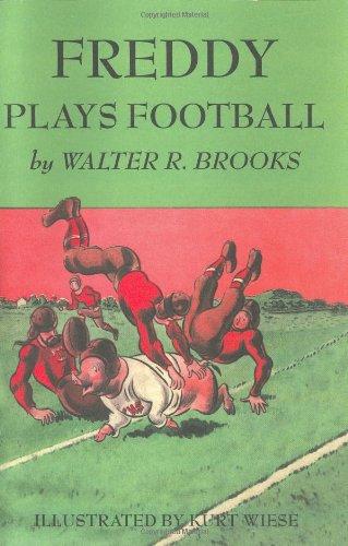 9781585671335: Freddy Plays Football