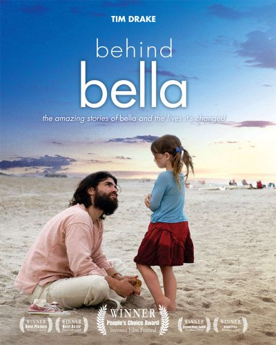 9781586172787: Behind Bella: The Amazing Stories of Bella and the Lives it's Changed