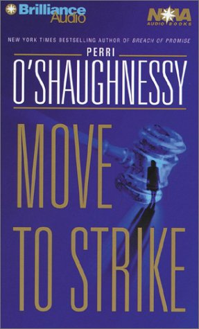 9781587883057: Move to Strike (Nina Reilly Series)