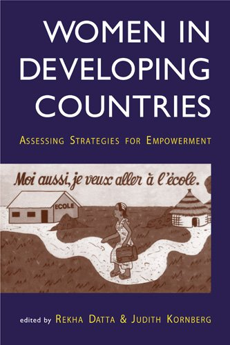9781588260390: Women in Developing Countries: Assessing Strategies for Empowerment