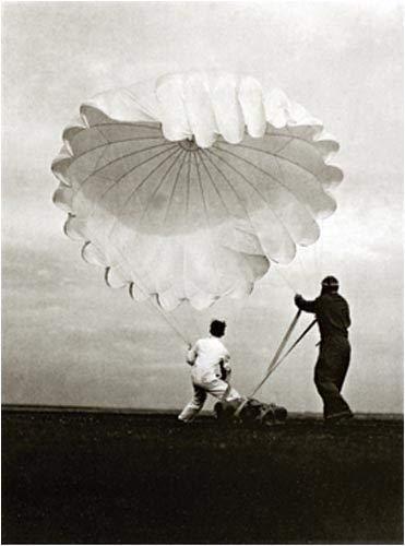 9781590050132: Twenty Parachutes