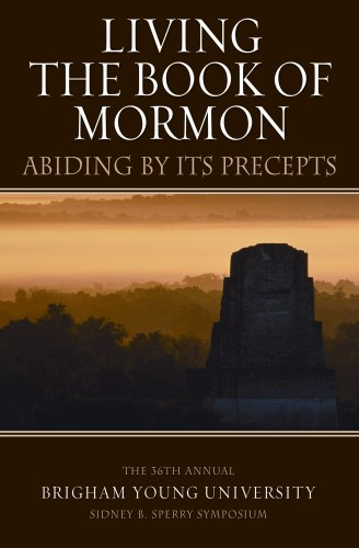 9781590387993: Living the Book of Mormon: