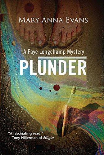 9781590589298: Plunder (Faye Longchamp Series)