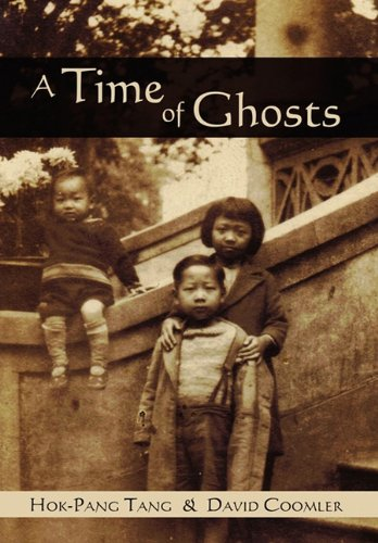 9781592994922: A Time of Ghosts