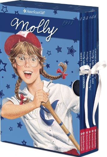 9781593697907: Molly Boxed Set with Game (American Girl) (American Girl Collection)
