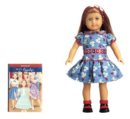 9781593699611: Emily Mini Doll (American Girl)
