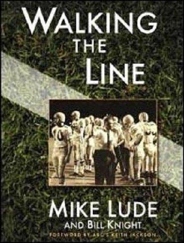 9781594040207: Walking the Line
