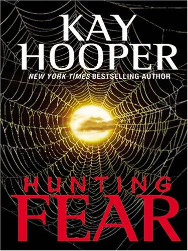 9781594130663: Hunting Fear (Thorndike Paperback Bestsellers)