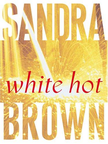 9781594130823: White Hot (Thorndike Paperback Bestsellers)