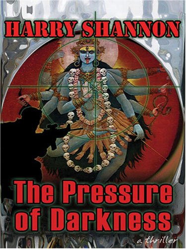 9781594144707: The Pressure of Darkness: A Thriller (Five Star First Edition Mystery Series)