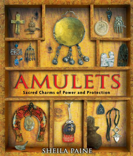 9781594770258: Amulets: A World of Secret Powers, Charms and Magic