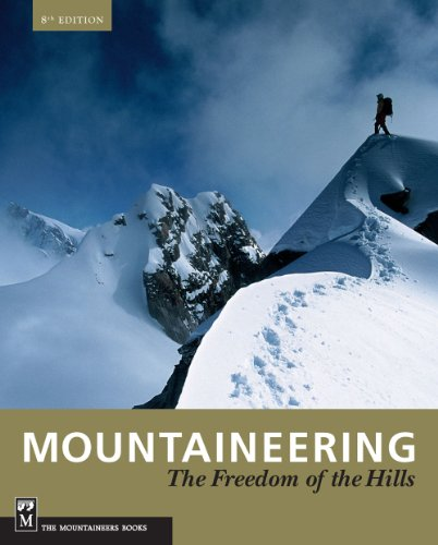 9781594851377: Mountaineering: Freedom of the Hills